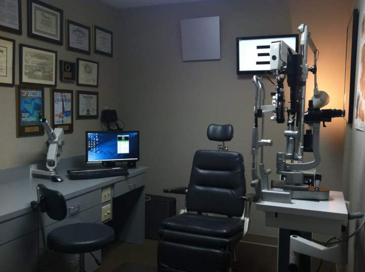 Ophthalmology Associates Of The Valley 23 Reviews Ophthalmologists 16311 Ventura Blvd Encino Ca Phone Number Yelp