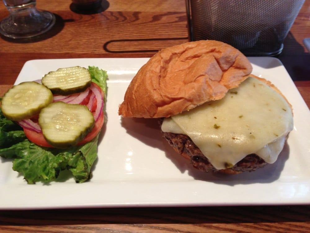 5 Star Burgers - Saint Louis, MO, United States. Natural Angus Burger with Pepper Jack Cheese