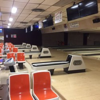 the Slocum's BOWL-O-Drome interior.