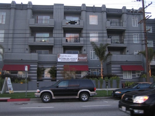 Photos For Victor On Venice Apartments