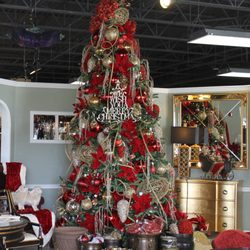 Distinctive Interiors   Get Quote   Interior Design   2800 East     Photo of Distinctive Interiors   Marion  IL  United States  Holiday Decor    Gifts