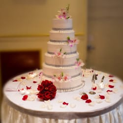 Best Wedding Cake Bakeries Near Me   September 2018  Find Nearby     Napoleon Super Bakery