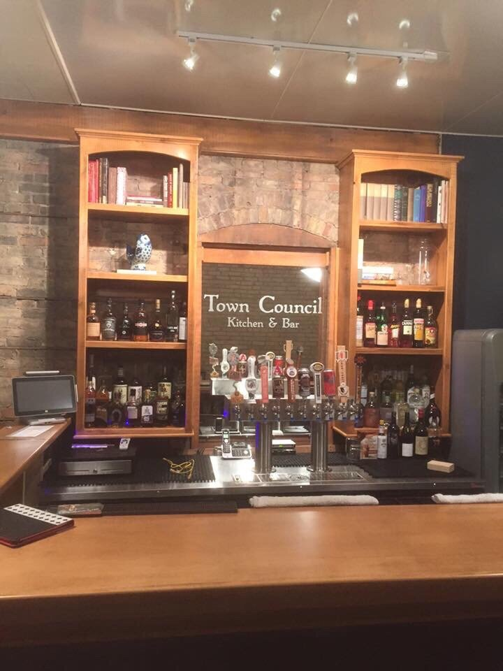 Photo Of Town Council Kitchen Neenah Wi United States Beautiful Bar