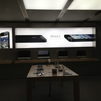 Apple Store   15 photos   35 avis   T    l    phones Portables   2 4 rue     Photo de Apple Store   Bordeaux  France