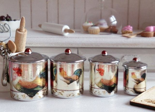 Vintage_kitchen_canister