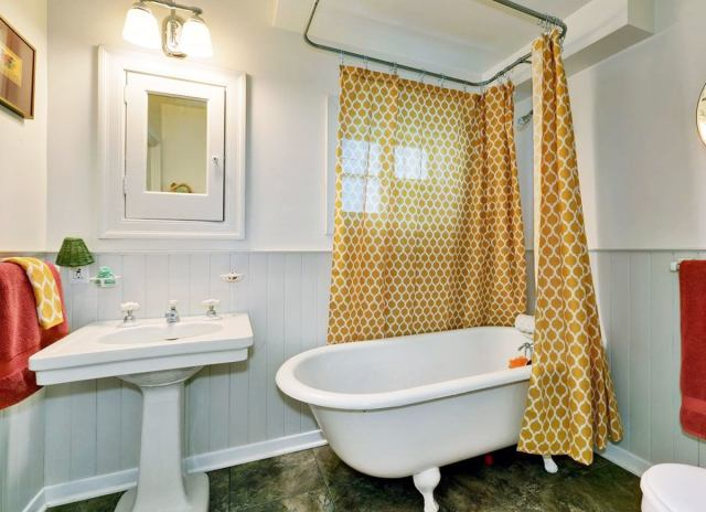 Curtained tub