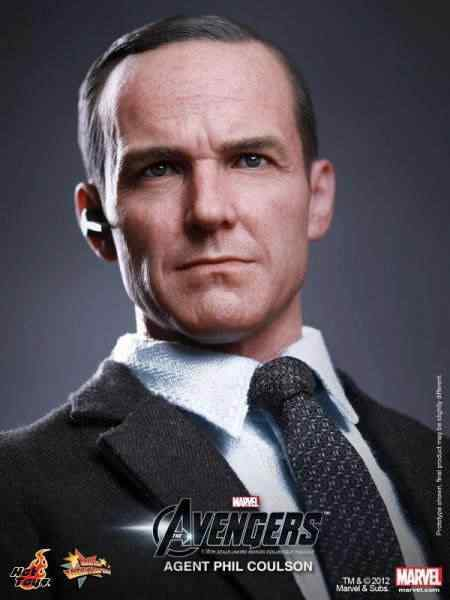 hot-toys-agent-coulson-figure-2