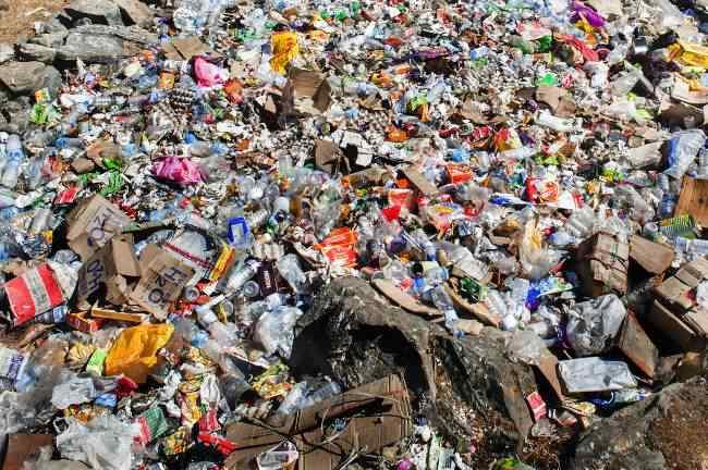 Everest Pollution