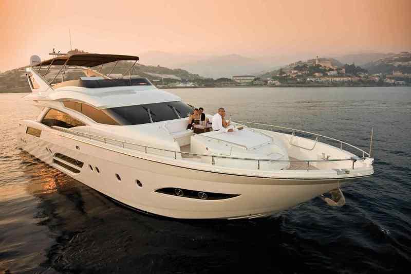luxury-yachts-flybridge-motor-yachts-25321-5994301