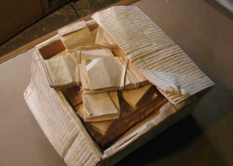 realistic-wood-sculptures-box-of-cash-randall-rosenthal-6