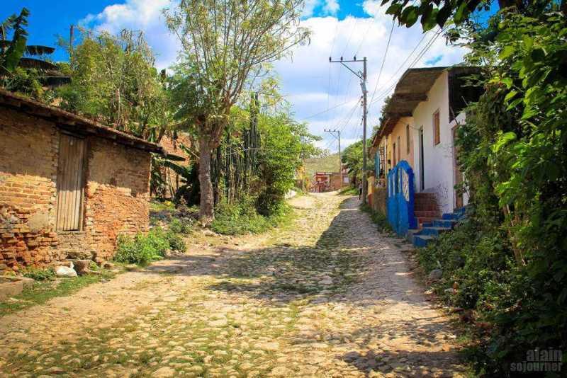 Disco-Ayala-Cave-Trinidad-Cuba