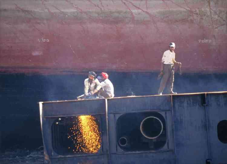 Alang beach scrap yard India (1997)