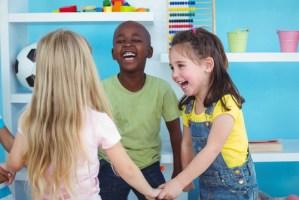8 passeios baratos para fazer com as crianças no dia das crianças