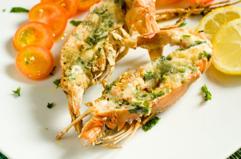 Tv Catia Fonseca Prepare um lagostin gratinado com farofa de amêndoas e ervas Anderson Laranjeiras