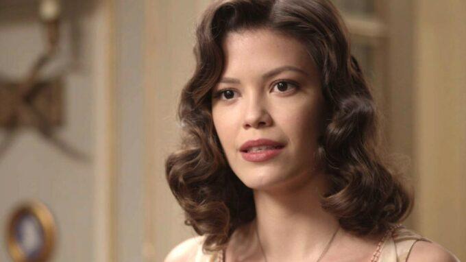 Espelho da Vida: Eugênio encontra Julia e a sequestra com filho recém-nascido