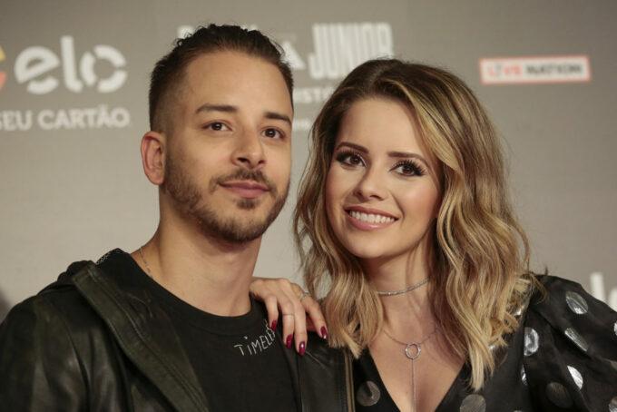 Com o início da pré venda da turnê, Sandy e Júnior fala sobre Shows Extras, Netflix e participações especiais