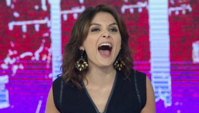 """Monica Iozzi não aguenta mais pressão e da adeus a suas redes sociais: """"Me sentirei mais leve"""""""