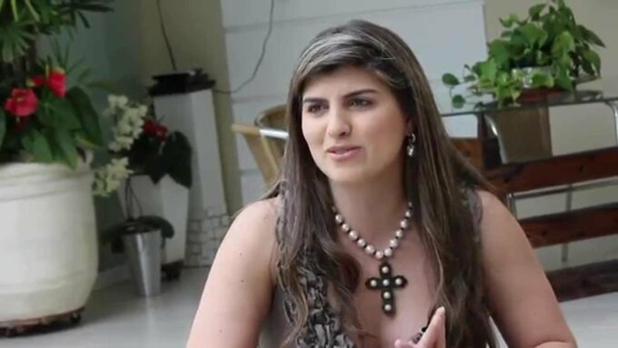 Jornalista demitida de emissora da Globo por estar gorda abre o jogo e dá entrevista reveladora