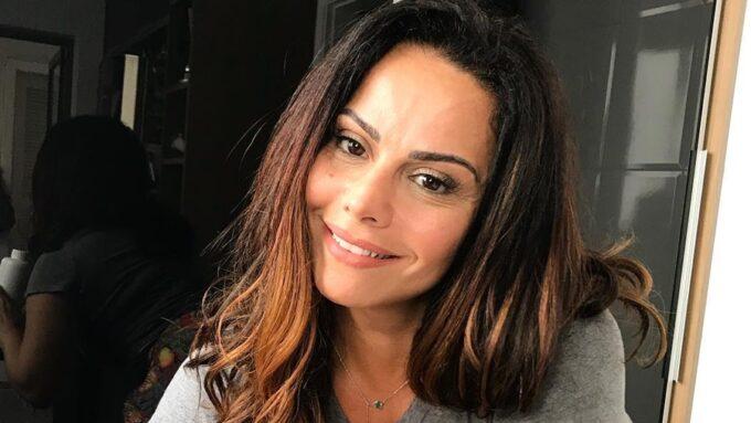 """Aos 44 anos, Viviane Araújo desabafa e revela qual é o seu maior sonho: """"falta na minha vida"""""""