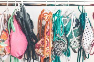 Como organizar e cuidar de roupas de praia e piscina por Ingrid Lisboa