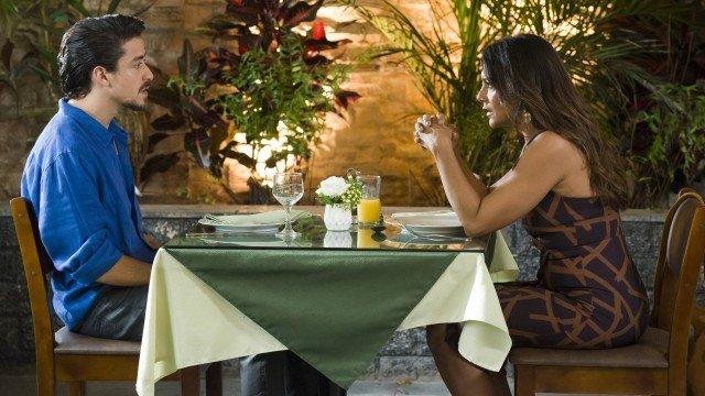 Verão 90: Jerônimo salva restaurante da mãe e se declara: 'Apesar de você não entender eu gosto de você'