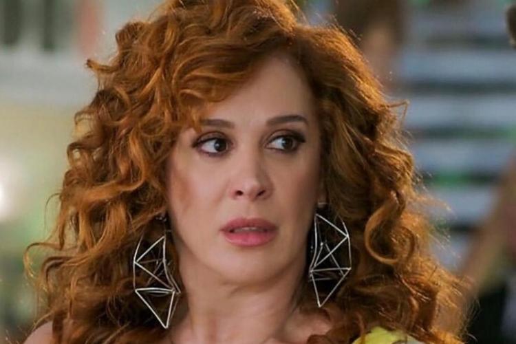 Claudia Raia passa mal nas gravações de Verão 90, é levada às pressas para hospital e deixa Globo em desespero