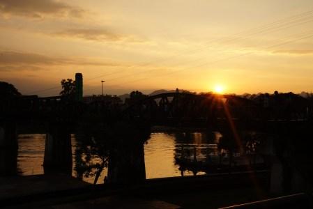 Kolej śmierci i most na rzece Kwai