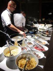 Pousada Maravilha dinner buffet