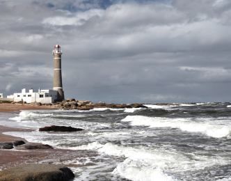 El Faro waves Jose Ignacio
