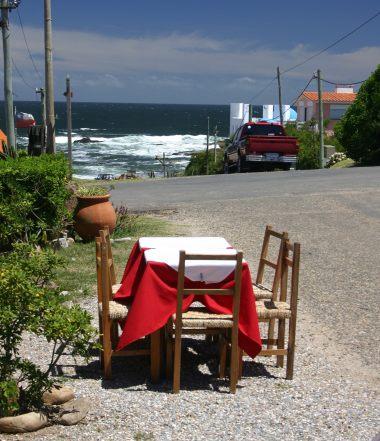 Jose Ignacio restaurant table