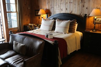 Devil's Thumb Ranch bedroom