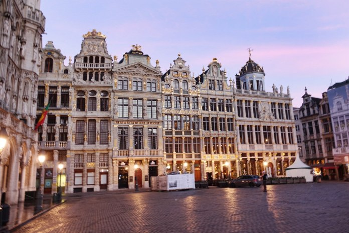 Brussels Grand Place at dawn
