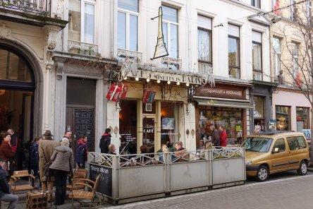 Antwerp Kloosterstraat shopping