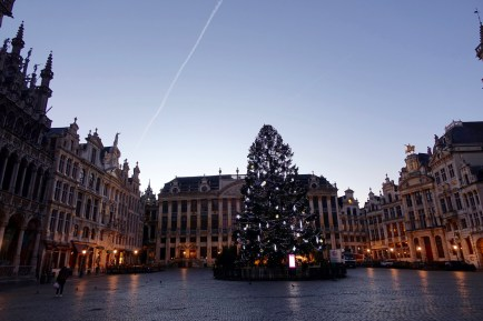 Brussels Grand Place sky at dusk