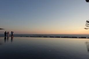 La Coorniche pool at dusk