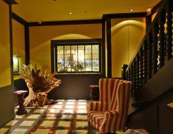 La Coorniche hallway