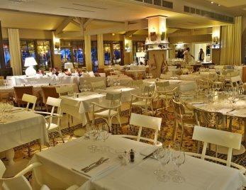 La Coorniche dining room