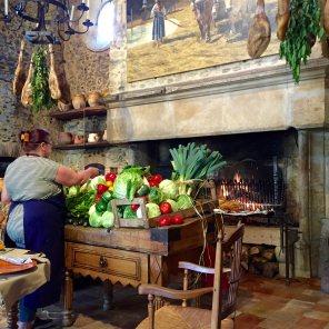 Les Pres d'Eugenie La Ferma fireplace