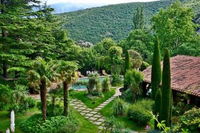 Chateau de Riell pool view