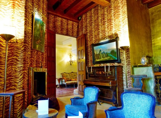 Chateau de Riell Out of Africa bar chairs