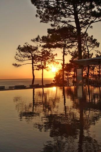 La Coorniche sunset pool