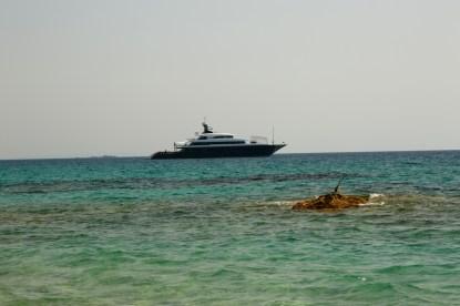 Domaine de Murtoli yacht neighbors
