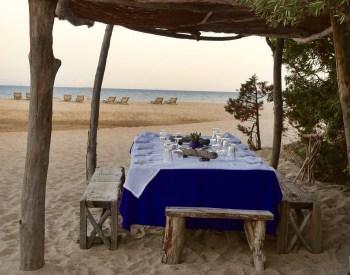 La Table de la Plage Murtoli table sunset