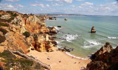 Praia do Camilo beach
