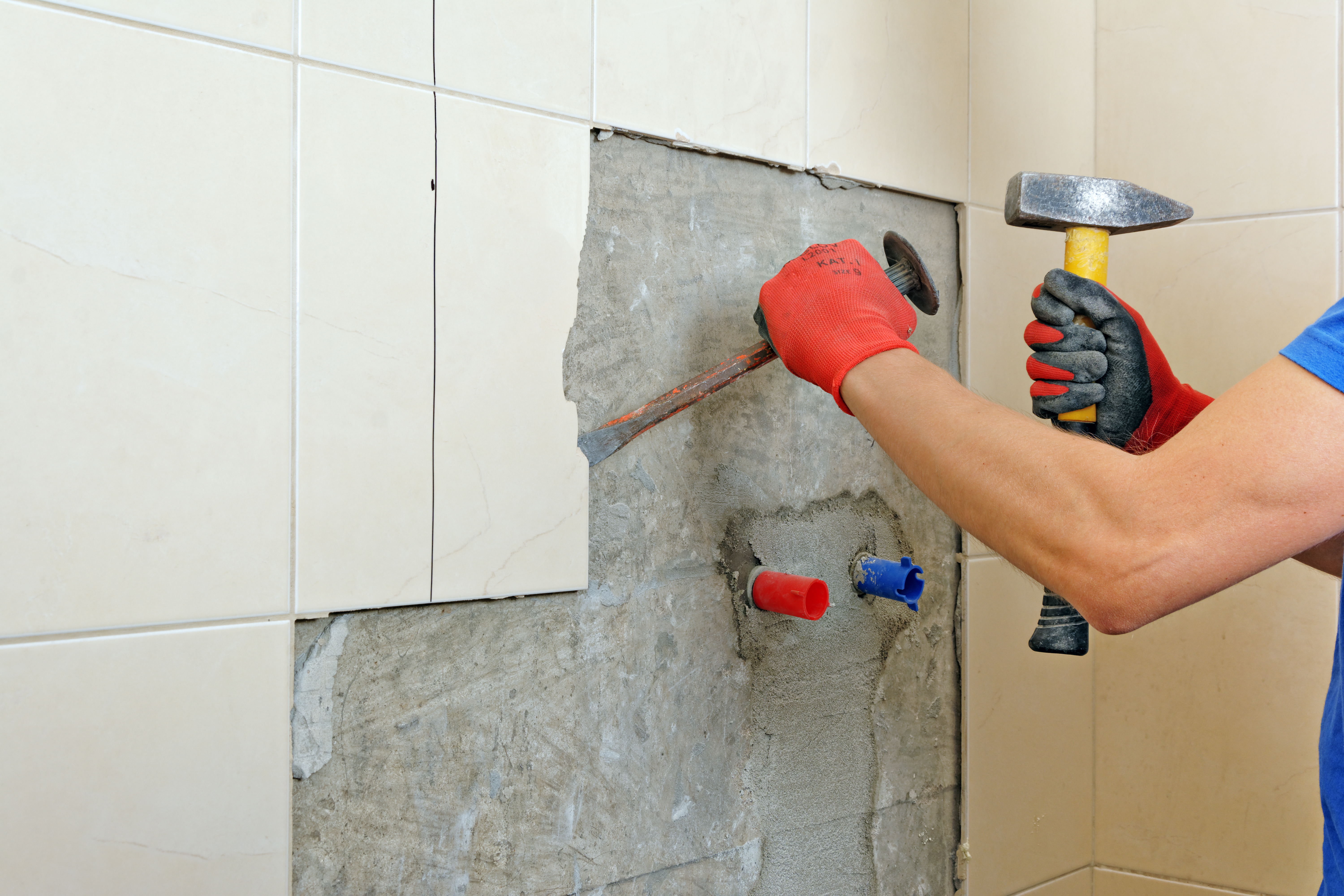 https homeguides sfgate com remove ceramic wall tile damaging drywall 99157 html