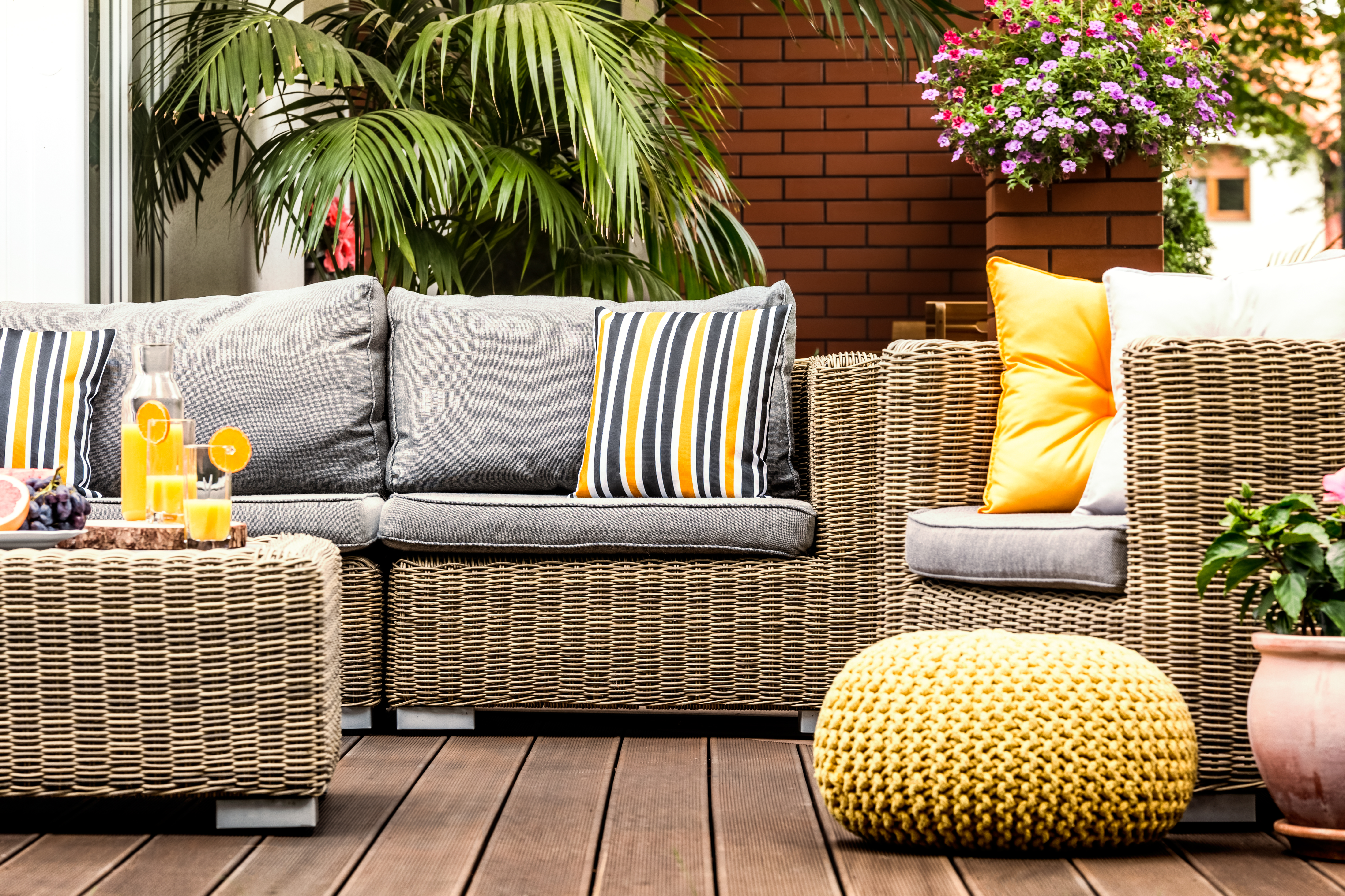 https homeguides sfgate com rid mildew stains outdoor fabric furniture 93051 html