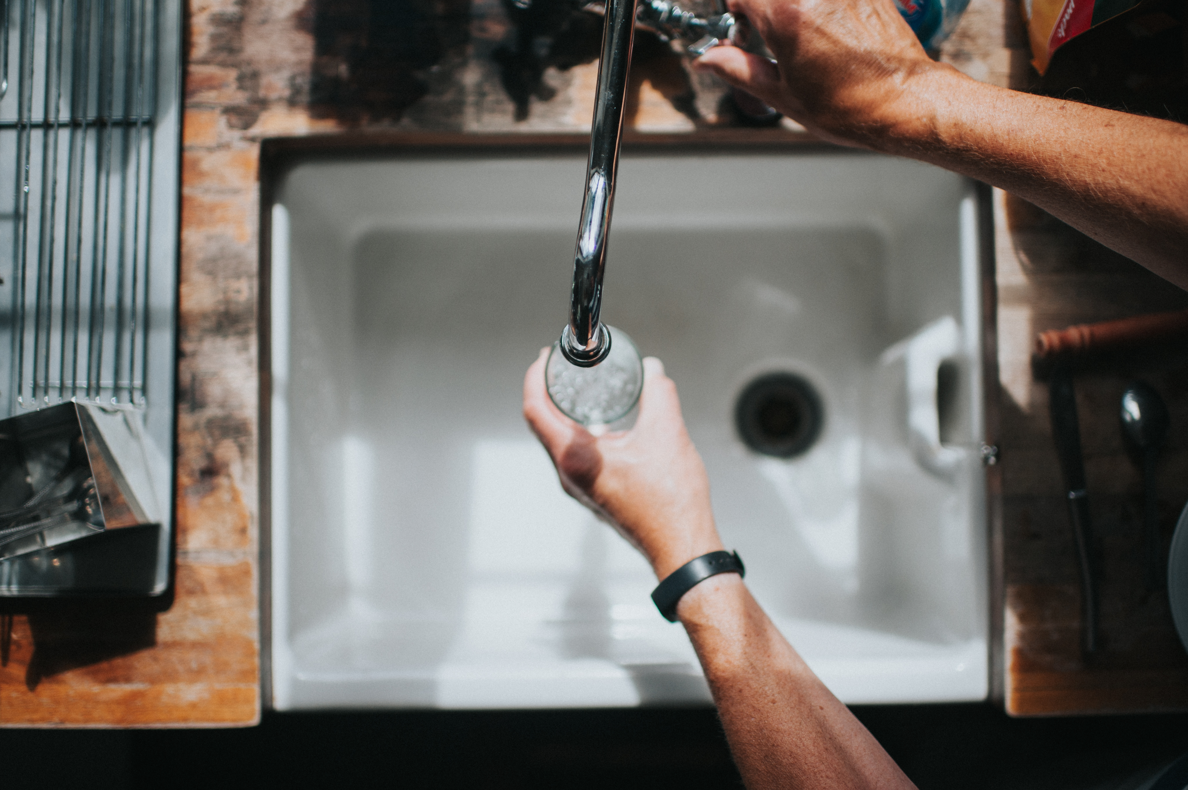 https www hunker com 13416593 how to remove sediment from faucet