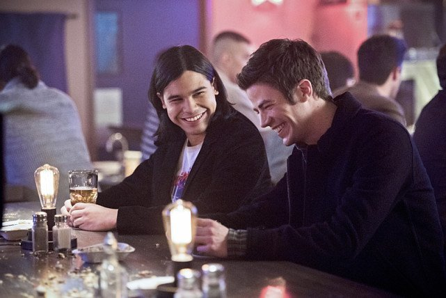 """The Flash -- """"Rogue Time"""" -- Image FLA116B_0458b -- Pictured (L-R): Carlos Valdes as Cisco Ramon and Grant Gustin as Barry Allen -- Photo: Dean Buscher/The CW -- © 2015 The CW Network, LLC. All rights reserved."""