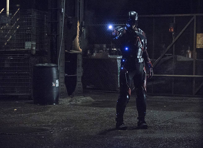 """Arrow -- """"Broken Arrow"""" -- Image AR319A_0004b -- Pictured: Brandon Routh as Ray Palmer / The Atom -- Photo: Cate Cameron/The CW -- © 2015 The CW Network, LLC. All Rights Reserved."""