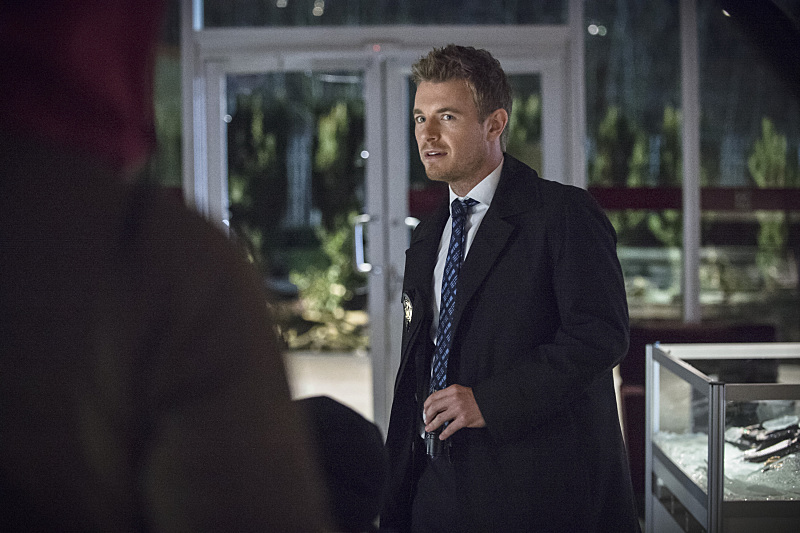 """The Flash -- """"All Star Team Up"""" -- Image FLA118B_0253b -- Pictured: Rick Cosnett as Detective Eddie Thawne -- Photo: Cate Cameron/The CW -- © 2015 The CW Network, LLC. All rights reserved."""
